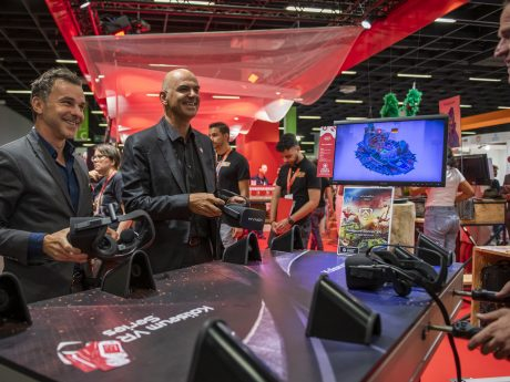 Federal Councillor Alain Berset & Pro Helvetia Director Philippe Bischof playing Koliseum Soccer at Gamescom 2019 (c) Julia Malcher